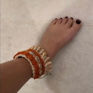 Shell and beaded anklet